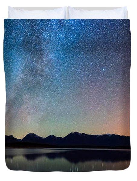 Northern Lights Over Jackson Lake Duvet Cover