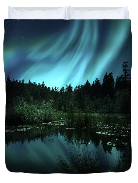 Duvet Cover featuring the photograph Northern Lights Over Lily Pond by Gigi Ebert