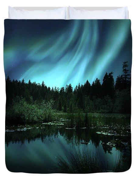 Northern Lights Over Lily Pond Duvet Cover