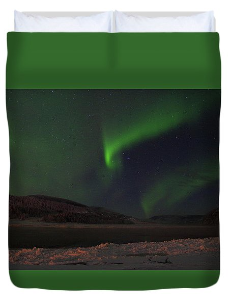 Duvet Cover featuring the photograph Northern Yukon Lights 1 by Phyllis Spoor