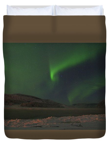 Duvet Cover featuring the photograph Northern Yukon Lights 6 by Phyllis Spoor
