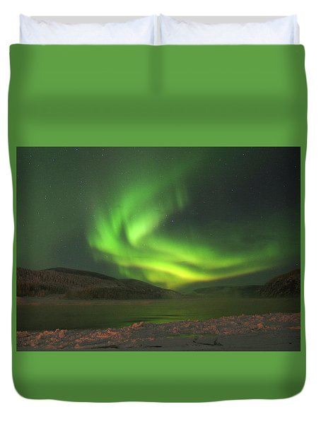 Duvet Cover featuring the photograph Northern Yukon Lights 7 by Phyllis Spoor