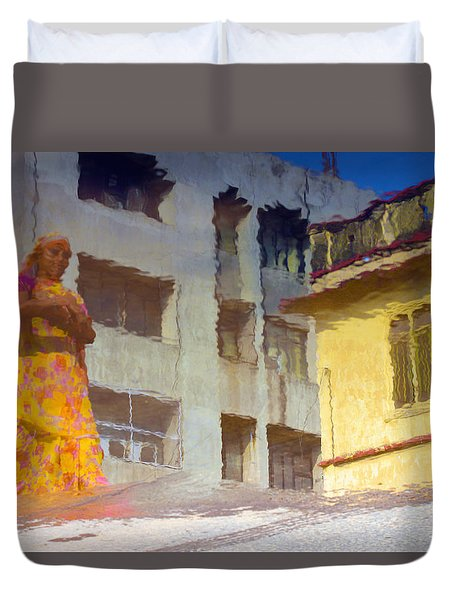 Duvet Cover featuring the photograph Not Sure by Prakash Ghai