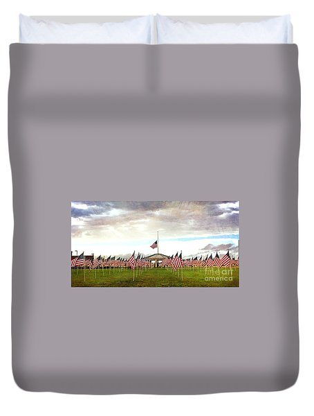 Duvet Cover featuring the photograph Nov5th Memorial - No.2009 by Joe Finney