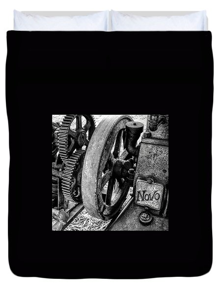 Novo Antique Gas Engine Duvet Cover