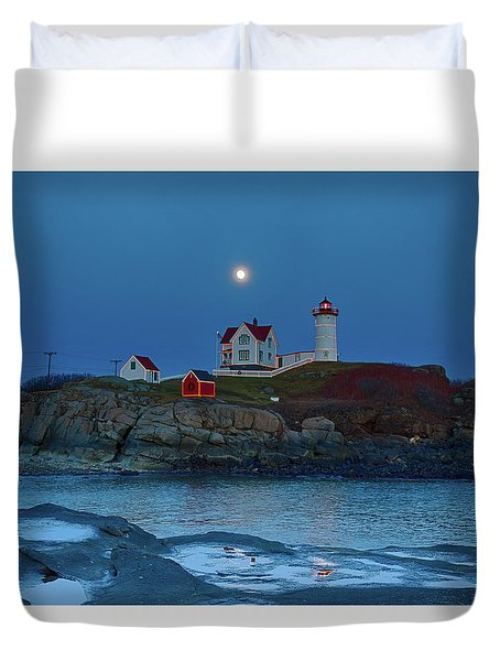 Duvet Cover featuring the photograph Nubble Lighthouse Lit For Christmas by Jeff Folger