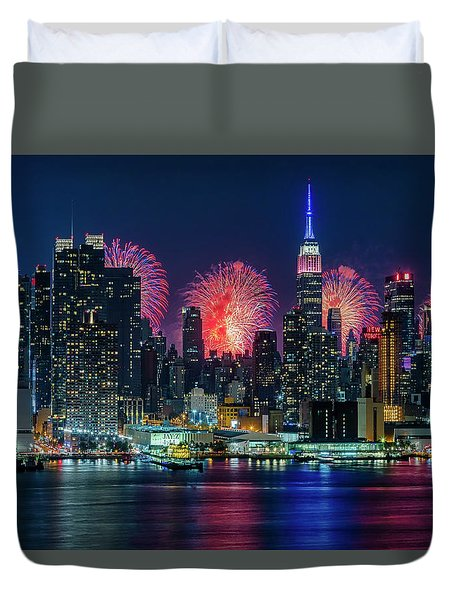 Duvet Cover featuring the photograph Nyc Fireworks Celebration by Susan Candelario