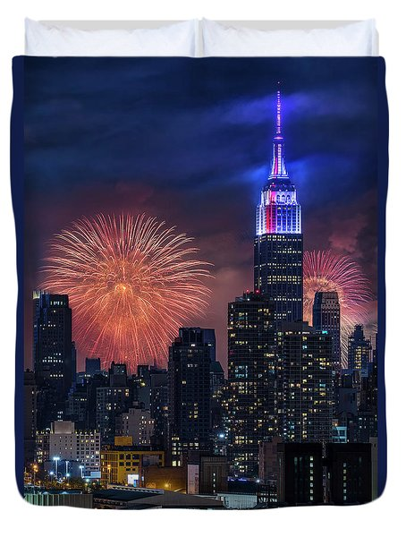 Duvet Cover featuring the photograph Nyc Fourth Of July Fireworks  by Susan Candelario