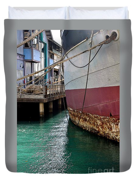 Duvet Cover featuring the photograph Oahu Harbor by Gina Savage