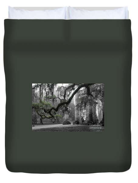 Oak Limb At Old Sheldon Church Duvet Cover