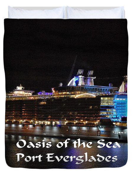 Duvet Cover featuring the photograph Oasis Of The Seas by Gary Wonning