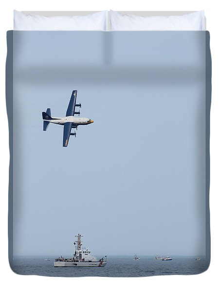 Duvet Cover featuring the photograph Ocean City Air Show 2015 by Robert Banach