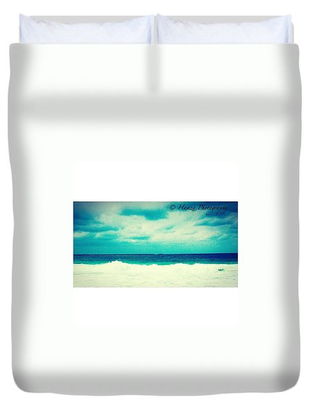 Ocean Tides Or Waves Duvet Cover by Hamza Kamran