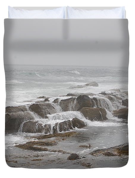 Ocean Waves Over Rocks Duvet Cover