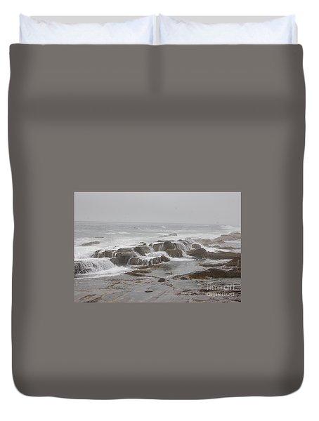 Ocean Waves Over Rocks Duvet Cover