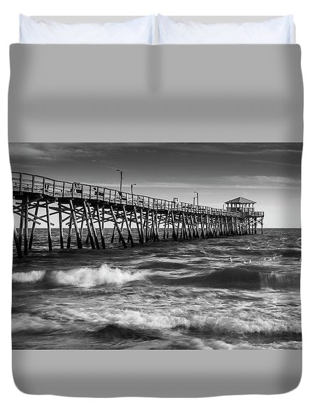 Duvet Cover featuring the photograph Oceana Ocean Crest Fishing Pier In Nc Panorama In Bw by Ranjay Mitra