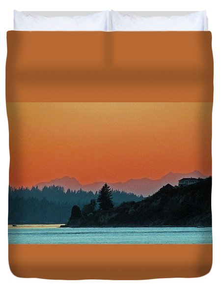 Ode To Elton Bennett Duvet Cover by Chris Anderson