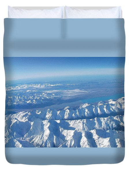 Of Peaks And Lakes Duvet Cover