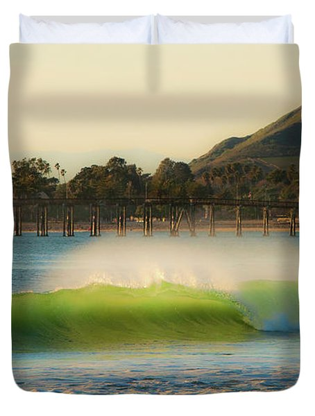 Offshore Wind Wave And Ventura, Ca Pier Duvet Cover