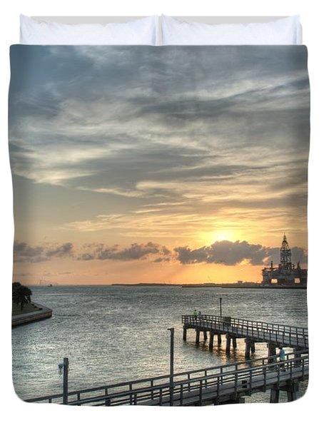Oil Rig In Gulf Duvet Cover