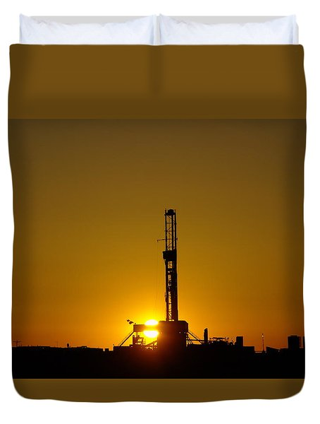 Oil Rig Near Killdeer In The Morn Duvet Cover by Jeff Swan