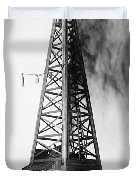 Oklahoma: Oil Well, C1922 Duvet Cover
