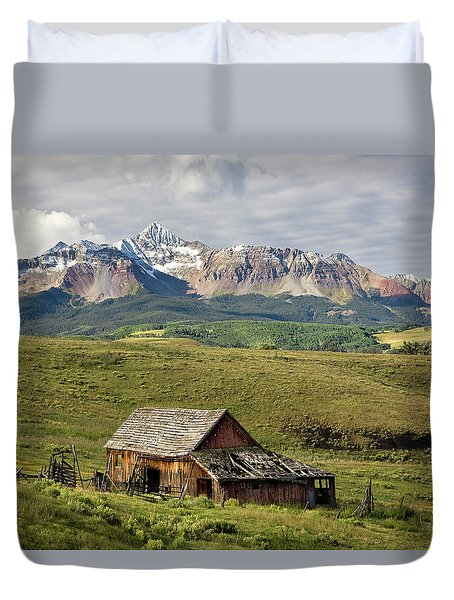 Old Barn And Wilson Peak Horizontal Duvet Cover