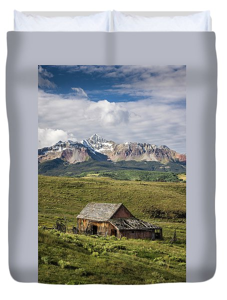 Old Barn And Wilson Peak Vertical Duvet Cover