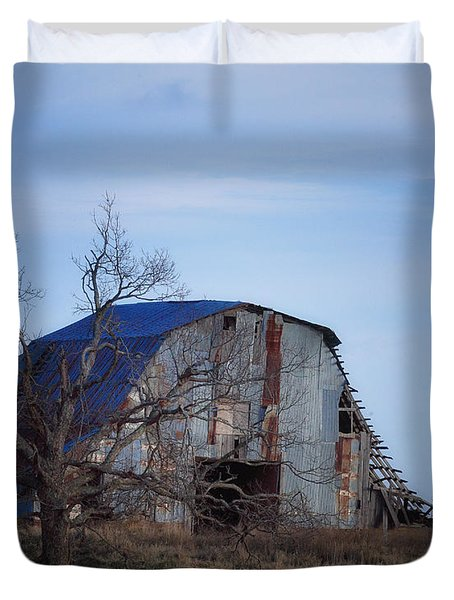 Duvet Cover featuring the photograph Old Barn At Hilltop Arkansas by Michael Dougherty
