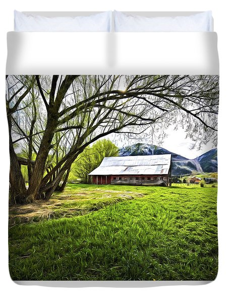 Old Barn In Eden Utah Duvet Cover