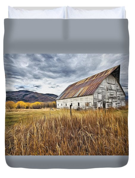 Old Barn In Steamboat,co Duvet Cover