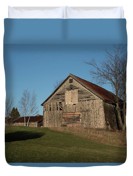 Old Barn On A Hill Duvet Cover