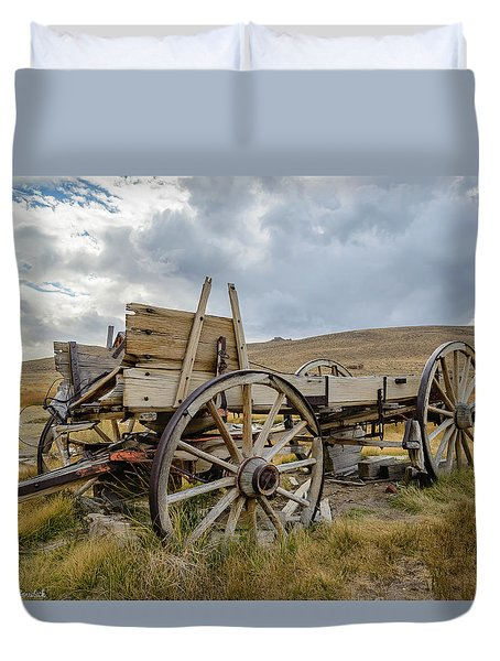 Old Buckboard Wagon Duvet Cover