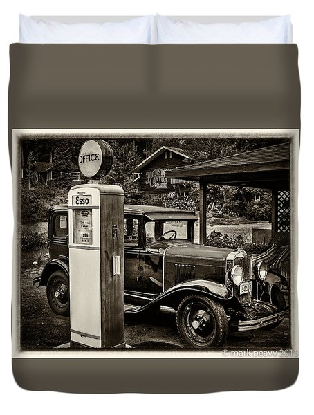 Old Car @ Gas Station Duvet Cover