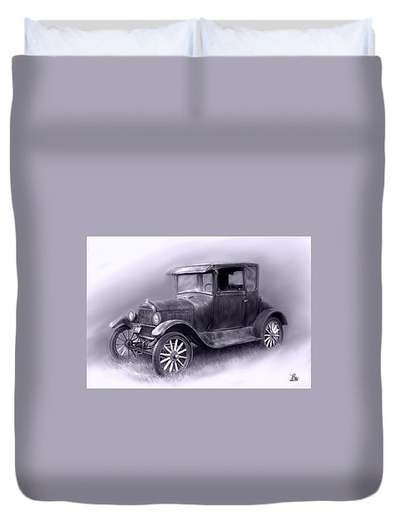 Duvet Cover featuring the digital art Old Car by Bonnie Willis