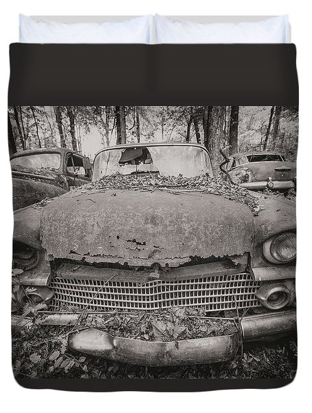 Old Car City In Black And White Duvet Cover