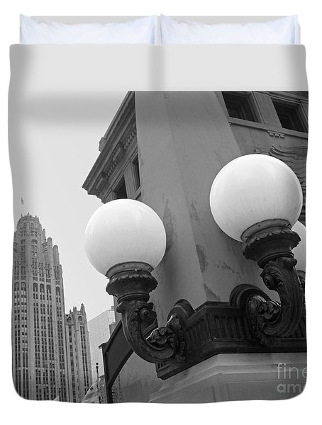 Old Chciago Street Lamps Bw Duvet Cover