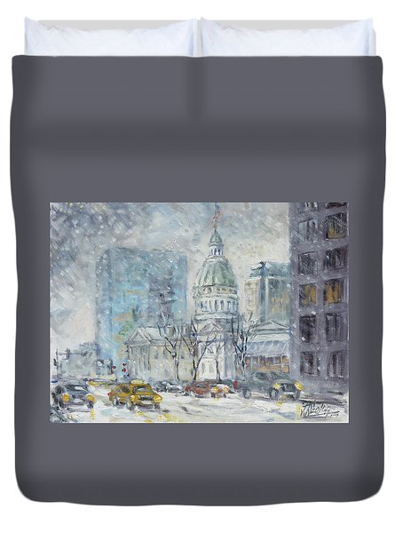 Old Courthouse From N 4th St. St.louis Duvet Cover