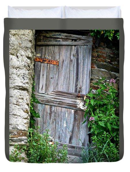 Old Door In Vernazza Duvet Cover