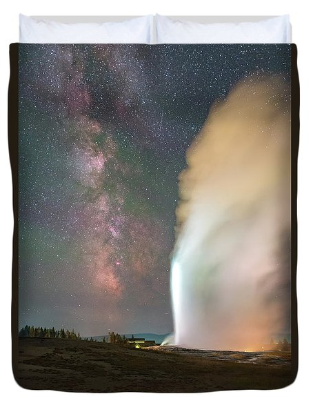 Old Faithful Erupts At Night Duvet Cover