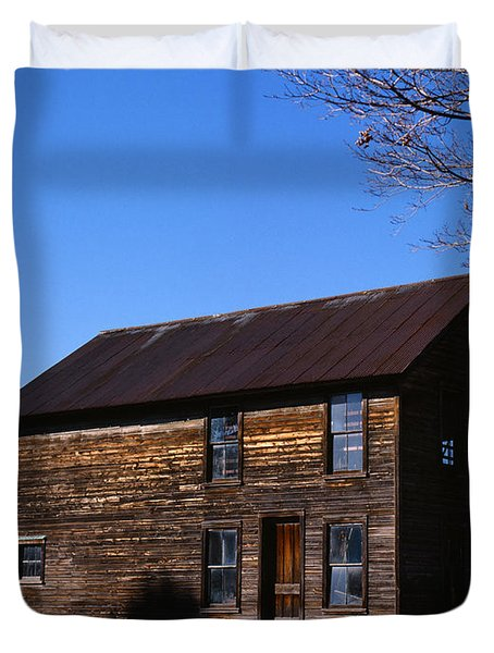 Old Farm Building Duvet Cover