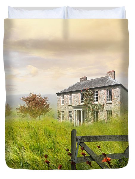 Old Farmhouse In Wheat Field Duvet Cover by Sandra Cunningham