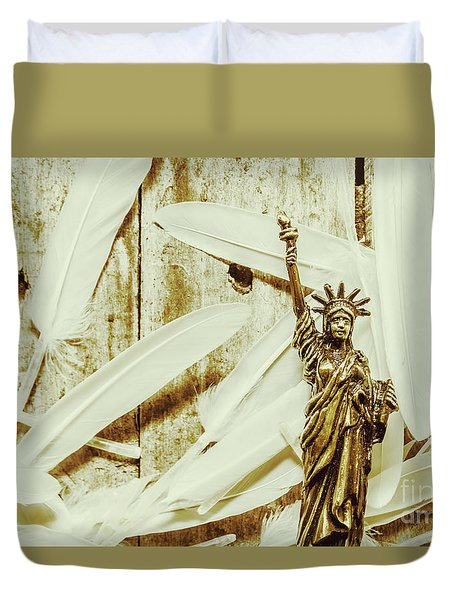 Old-fashioned Statue Of Liberty Monument Duvet Cover