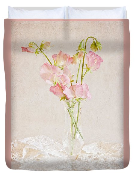 Old Fashioned Sweet Peas Duvet Cover by Sandra Foster