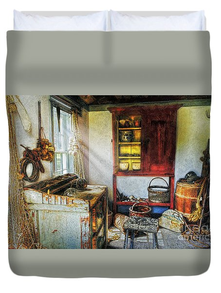 Old Fishermans Hut Duvet Cover by Ian Mitchell