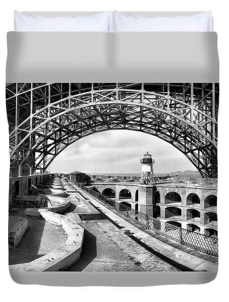Old Fort Point Lighthouse Under The Golden Gate In Bw Duvet Cover