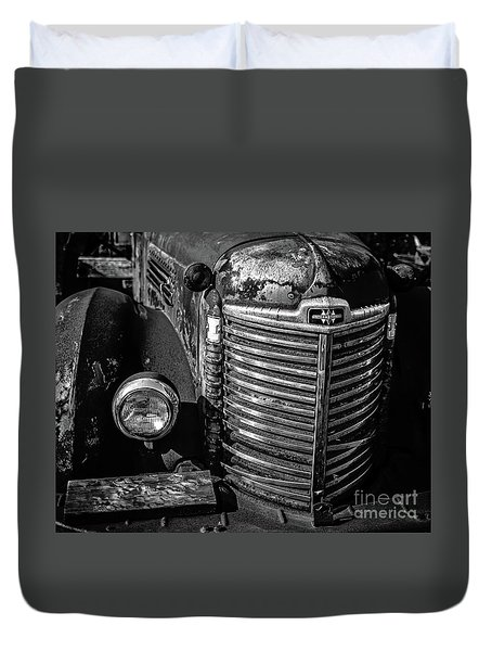 Old Gritty Rusty Truck Stowe Vermont Duvet Cover