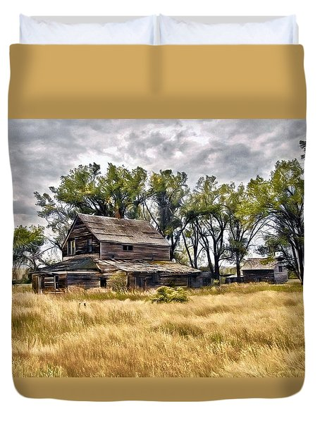Old House And Barn Duvet Cover