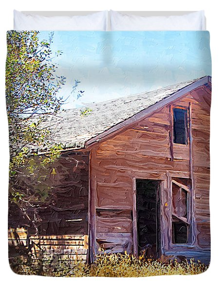 Duvet Cover featuring the photograph Old House by Susan Kinney