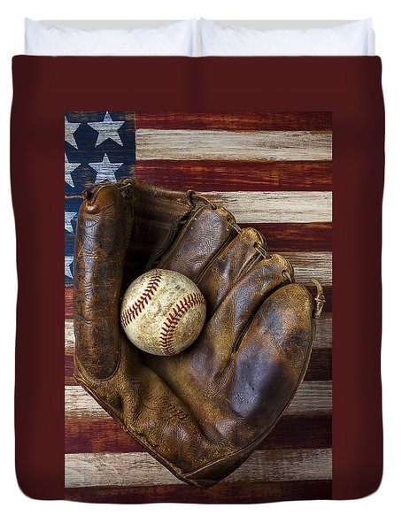 Old Mitt And Baseball Duvet Cover by Garry Gay